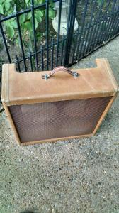 Distressed tweed on a Fender Relic Cabinet