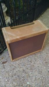 Tweed Deluxe Fender Relic Cabinet