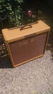 Restoration of a 1960 Fender Tweed Bassman Cabinet